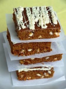 Prăjitură Cu Melasă Și Ciocolată Albă