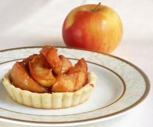tarta cu martipan si mere caramelizate